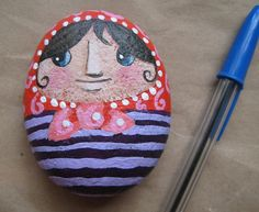 Piedra pisapapeles by María Tenorio, via Flickr