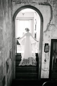 An ethereal lace-trimmed veil | Cramer Photography #veil #lace #blackandwhite #wedding