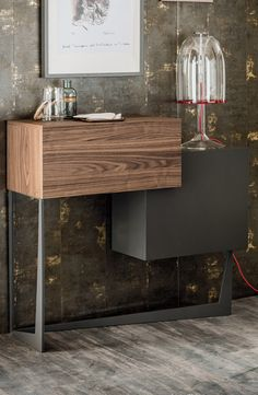 Portos bar unit in Canaletto – designed by Andrea Lucatello for Cattelan Italia it is elegant, modern and perfect for small spaces.