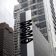 Il Museum of Modern Art (MoMA) che si trova a New York è considerato il principale museo d'arte moderna del mondo.