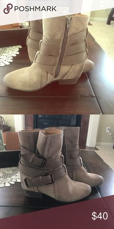 Naya boots, brand new! Awesome for fall! Worn once. Excellent condition. Super comfy! Shoes Ankle Boots & Booties
