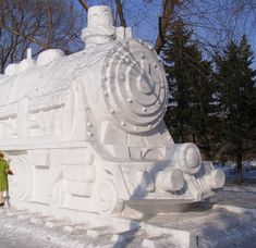 Impresionantes Esculturas De Invierno | Arte Helsinki, Siberia, Rail Car, Harbin, Snowman, Outdoor Decor, Cars, Street, Big