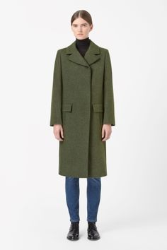 Wide collar wool coat