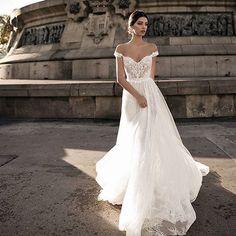 INSPIRAÇÃO ⠀ ⠀ Vestido inspiração!!!!⠀ ⠀ #noiva #noivado #noiva2018 #noiva2019 #noivas #casamento #casamento2018 #casamento2019…
