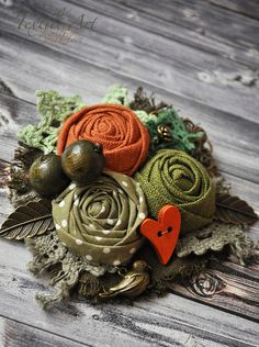 Lecture d& message - mail Orange Shabby Chic Flowers, Burlap Flowers, Lace Flowers, Felt Flowers, Crochet Flowers, Fabric Flowers, Textile Jewelry, Fabric Jewelry, Brooches Handmade