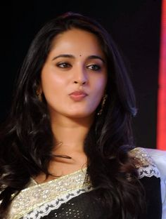 Actress Anushka Shetty Beautiful Long Hair Smiling Chubby Face Close Up Stills Beautiful Girl Indian, Most Beautiful Indian Actress, Beautiful Actresses, Beautiful Women, Beauty Full Girl, Beauty Women, India Beauty, Asian Beauty, Actress Anushka