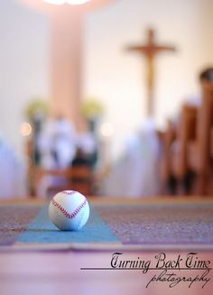 Baseball with a heart at the wedding ceremony.