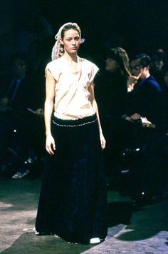 Comme des Garçons Spring 1998 Ready-to-Wear Fashion Show