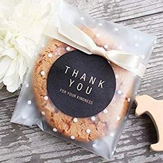 Wedding Gifts For Guests Wedding cookie favor bags white polka dot/lightly frosted gift craft wedding candy cookie party - Cookie Wedding Favors, Cookie Favors, Candy Cookies, Wedding Favor Bags, Cookie Gifts, Wedding Candy, Craft Wedding, Party Favors, Cookies Bag