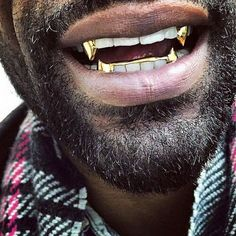 Mouth full of gold for a fraction of the price. Your favorite rapper has them, now you can too. Order your gold grillz today! Gold Fangs, Gold Teeth, Diy Schmuck, Schmuck Design, Diy Man, Fang Grillz, Jewelry Shop, Fashion Jewelry, Handmade Jewelry