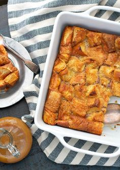 Holiday Spice Bread Pudding | This is the ultimate Christmas dessert recipe!