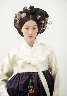 한복 Hanbok: Korean traditional clothing - All For Colors Hair Korean Hanbok, Korean Dress, Korean Outfits, Korean Traditional Dress, Traditional Fashion, Traditional Dresses, Asian Fashion, Fashion Kids, Folk