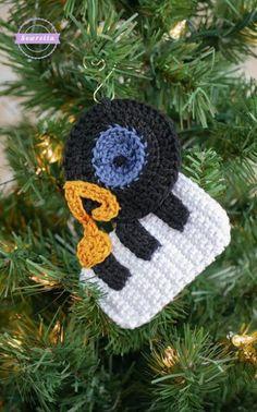 The Bing Crosby Ornament | Christmas Traditions CAL - Sewrella