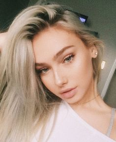 Image about molly omalia in Girls by Orions Hendrix Pretty Blonde Girls, Gorgeous Blonde, Blonde Girl Selfie, Summer Outfit For Teen Girls, Cute Selfie Ideas, Cute Girl Face, Cute Beauty, Woman Face, Photo Tips