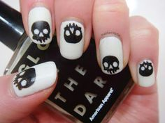Gettin' my glow on and Skulls | The Nail Artiste