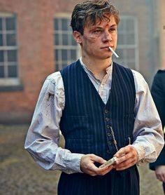 Michael Shelby 🚬 Record like ? Peaky Blinders Series, Peaky Blinders Quotes, Cillian Murphy Peaky Blinders, Michael Peaky Blinders, Finn Cole, Joe Cole, Beautiful Boys, Pretty Boys, Cute Boys