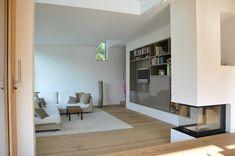Moderne wohnzimmer mit kamin  360°: Familienfreundliches Haus in Wiesbaden | Wiesbaden, Haus and ...