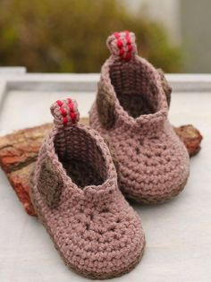 Construction Boot Baby Boys Crochet Boot Pattern por Inventorium