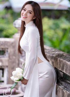 Beautiful Chinese Women, Beautiful Asian Girls, Gorgeous Women, Ao Dai, Asian Fashion, Girl Fashion, Sexy Asian Girls, White Girls, Asian Woman