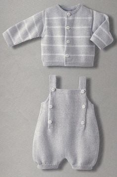 Knit baby romper and sweaterbebe estate translate me!bebe estate Loads of baby patterns here, but in Italian.bebe estate There is an English translation for the pattern, but may still be difficult to understand.Another Italian written Pattern FREE be Baby Knitting Patterns, Knitting For Kids, Crochet For Kids, Baby Patterns, Free Knitting, Crochet Baby, Knitted Baby Clothes, Knitted Baby Romper, Baby Knits