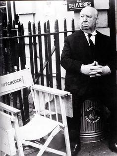 1972. Хичкок в Лондоне на съемках фильма «Безумие»