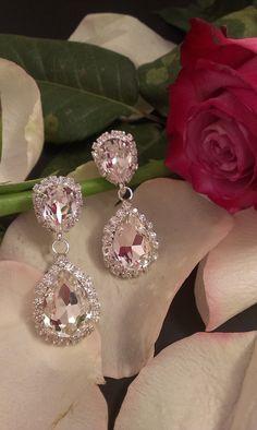 Σκουλαρίκια κρεμαστά σε διάφανη απόχρωση Diamond Jewelry, Diamond Earrings, Romantic Times, Foot Bracelet, Plus Size Maxi, Wedding Earrings, Jewerly, Piercings, Chris Hemsworth