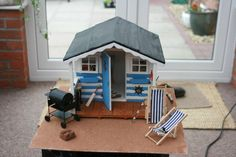 - 1/12 Scale Beach Hut - The Dolls House Exchange