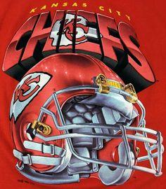 Retro Chiefs football helmet t-shirt Nfl Football Helmets, Nfl Football Teams, Sports Teams, Football Season, Chiefs Shirts, Kansas City Chiefs Football, Kansas City Missouri, Georgia Bulldogs, American Football
