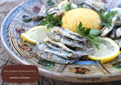 Hamsii prajite Fish Recipes, Camembert Cheese, Turkey, Meat, Food, Meal, Eten, Hoods, Meals