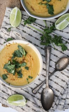 Curried Cauliflower And Chickpea Soup - A Farmer In The Dell. Fantastic recipes - dishing up the dirt Curried Cauliflower Soup, Chickpea Soup, Soup Recipes, Vegetarian Recipes, Cooking Recipes, Healthy Recipes, Healthy Soup, Healthy Eating, Soup Dish