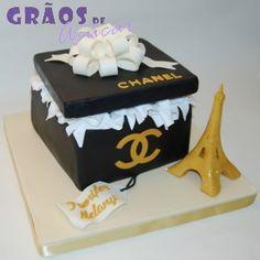 Paris Chanel   Esculpido   bolo aniversario mulher   Grãos de Açúcar - Bolos decorados - Cake Design