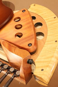 Michihiro Matsuda Guitars (Michihiro Matsuda Guitars) Matsuda headless arched top acoustic electric guitar