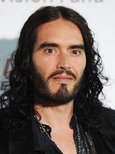 Russell Brand Photos - Russell Brand attends the Give It Up Conference to talk about drug and alcohol addiction at the London Film Museum on January 2014 in London, England. - Russell Brand Talks Addiction at the London Film Museum Russell Brand, P90x Workout, Bohemian Men, London Films, Types Of Guys, Important People, British Men, The Hollywood Reporter, Stand Up Comedy