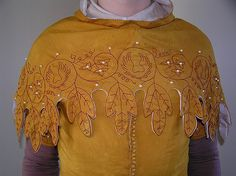 , hand-dyed silk (onion skin), by & for a guy! Brazilwood dyed silk embroidery thread and large pearls. Medieval Fashion, Medieval Clothing, Historical Costume, Historical Clothing, Historical Photos, Larp, Renaissance Mode, Medieval Pattern, Medieval Embroidery
