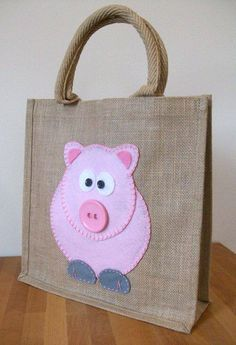 Items similar to Natural Jute Hessian Animal Shopping Bag - Felt Pig Motif on Etsy Hessian Bags, Jute Bags, Pig Crafts, Felt Crafts, Techniques Couture, Fabric Bags, Handmade Bags, Bag Making, Purses And Bags