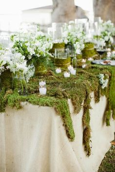 Love love love the moss table runners
