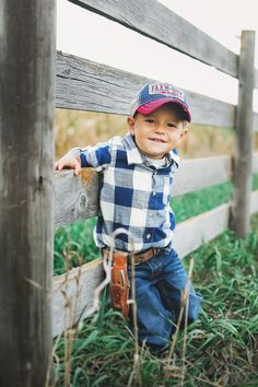 Expecting A Baby? Little Boy Photography, Toddler Photography, Indoor Photography, Country Kids Photography, Baby Boy Photography, Urban Photography, Photography Poses, Toddler Pictures, Cute Baby Pictures
