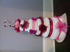 Fan diaper cake. Don't roll them up, fan them- so much easier!