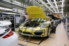 Porsche 911 Production ( How Porsche 911 is made) - YouTube