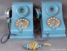 Pareja teléfonos infantiles para niños madera años 50 sello comercio Casa Las Heras Bilbao