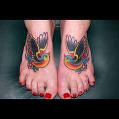 Google Image Result for http://tattooflux.com/wp-content/uploads/traditional-hummingbird-tattoo.jpg