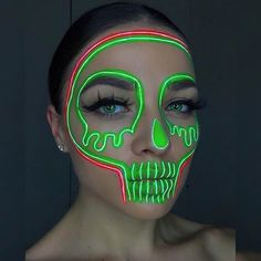 Cute Clown Makeup, Beautiful Halloween Makeup, Creepy Halloween Makeup, Halloween Costumes, Edgy Makeup, Crazy Makeup, Makeup Eyes, Helloween Make Up, Creative Eye Makeup