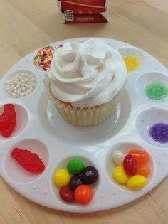 Great cupcake decoration idea for kids party