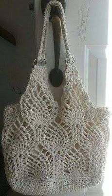 Ravelry: Pineapple bag pattern by Rose Hernandez (Free Crochet Pattern) pineapple bag pattern by Rose Hernandez I have gotten rid of the cluster V stitch or CV as referred to in the rows. they are now shells. Pineapple bag by Rose Hernandez This is sure p Crochet Diy, Crochet Design, Beau Crochet, Crochet Tote, Crochet Handbags, Crochet Purses, Crochet Crafts, Crochet Projects, Ravelry Crochet