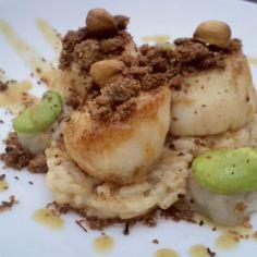 Noix de Saint Jacques rôties en crumble de sarrasin, risotto corsé au Marsala