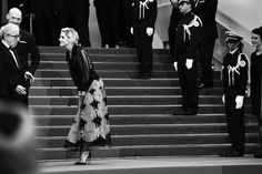 Striking Celebrity Photos Capture Elegance and Excitement at the 2016 Cannes Film Festival - My Modern Met