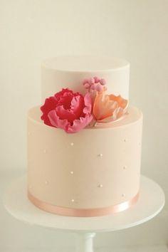Blush cake with pink peonies