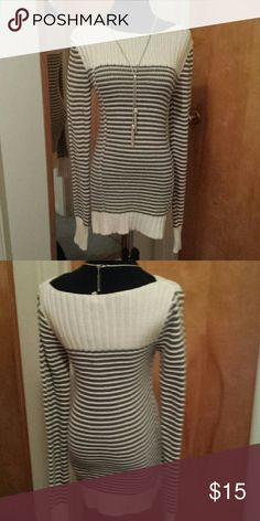 Old Navy Dark Olive & Cream Sweater Small Long sweater.   Excellent condition.   Worn only a few times. Old Navy Sweaters Crew & Scoop Necks