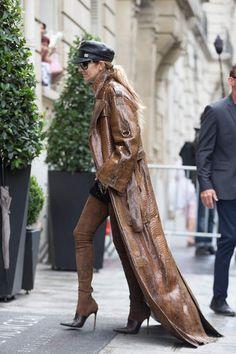 Celine Dion, Celine 2016, Celebrity Boots, Celebrity Outfits, 60 Fashion, Star Fashion, Chic Outfits, Fashion Outfits, Animal Fashion