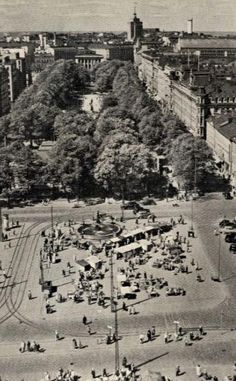 Esplanadi History Of Finland, Finnish Language, Visit Helsinki, Interesting History, Historical Pictures, Old City, Beautiful Buildings, Time Travel, Old Photos